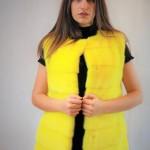 Gilet in visone tinto giallo